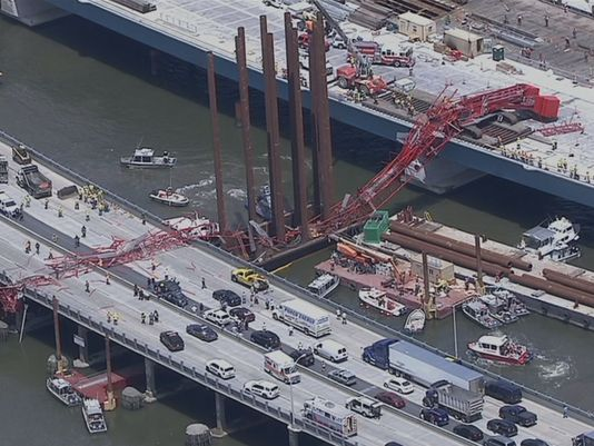 erial photo's of a construction crane that has collapsed onto the Tappan Zee Bridge. (Photo: Credit: NBC4 New York)